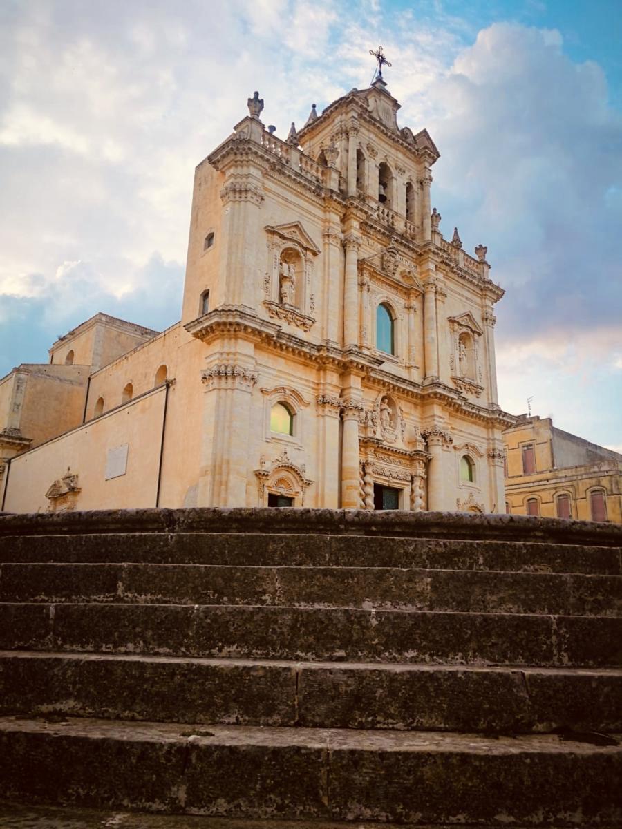 Sortino (SR), chiesa madre S. Giovanni Evangelista