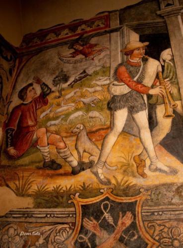 Giovanni Todisco,  Annuncio ai pastori e suonatore di zampogna, XVI sec. Laurenzana, corrituretto del convento di Santa Maria ad Nives (foto di Domenico Iula, inviata da Andrea Lettini)